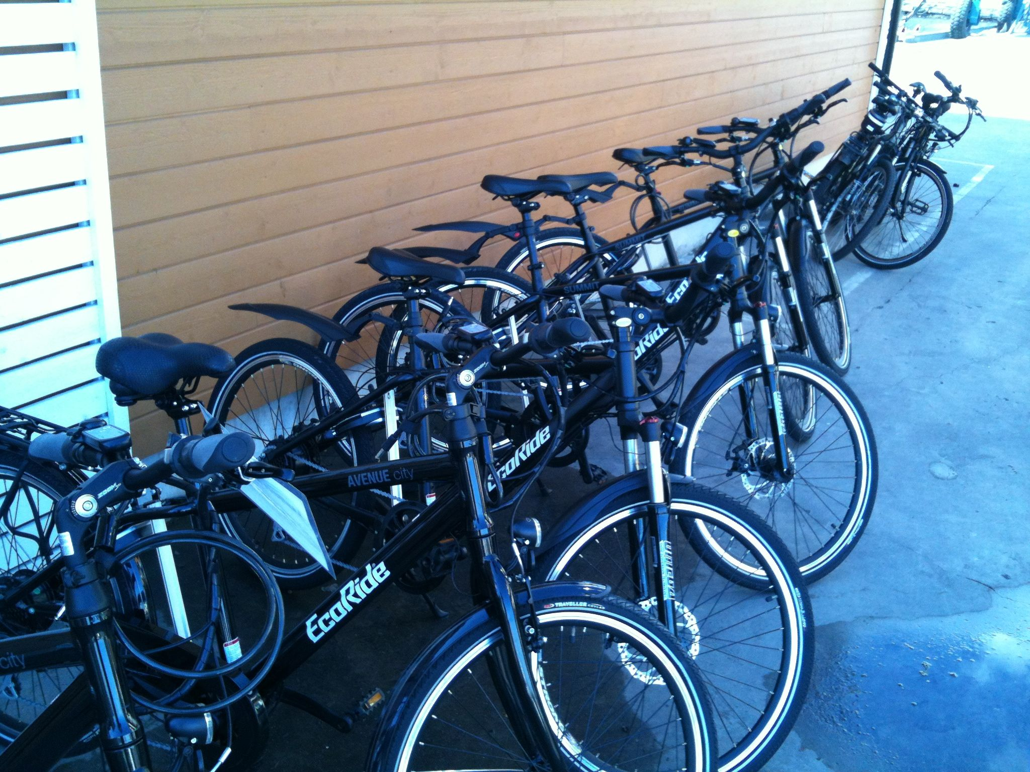 Sykkelutleie av el-sykler på Vollen Marina